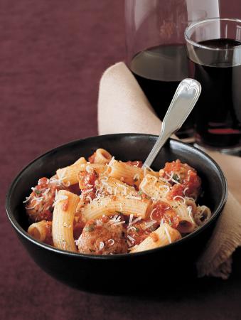 recipe boulettes de viande en sauce tomate au basilic frais. Black Bedroom Furniture Sets. Home Design Ideas
