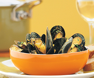 Spiced Mussels in White Wine