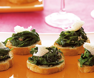 Wilted Spinach and Garlic Crostini