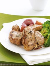 Rosemary Garlic Lamb Chops with Spicy Broccoli