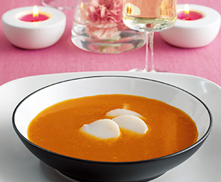 Tomato Soup with Scallops and Orange