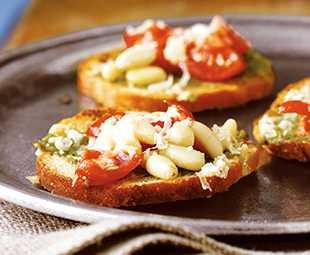 Bagel Bits with Pesto