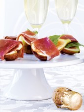 Honeyed Figs with Prosciutto and Basil