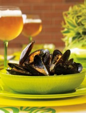 Mussels with Green Sauce