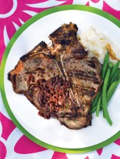 T-Bone Steaks with Red Onion Sauce