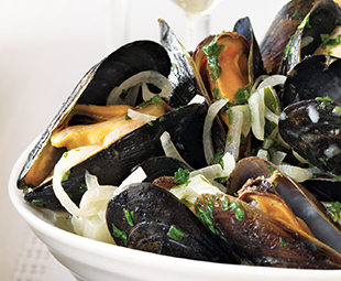 Steamed Mussels with Fennel