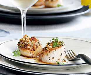 Baked Scallops with Herbed Crumbs