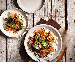 Daikon Radish Stir-Fry With Shiitakes, Carrot & Slivered Pork