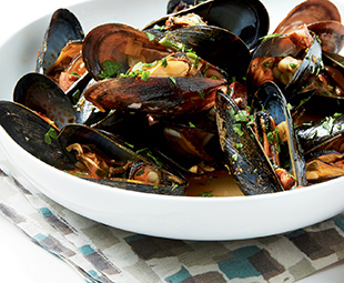 Steamed Mussels with Sherry, Saffron & Chouriço