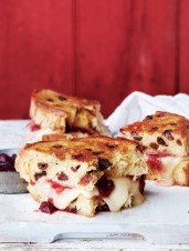 Grilled Brie & Panettone Sandwiches with Spicy Cranberry Sauce