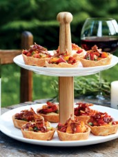 Cheddar Cups with Fresh Tomato Relish & Crispy Pancetta