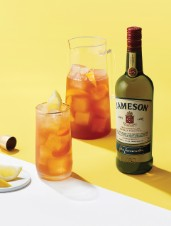 Whiskey & Peach Iced Tea Pitcher