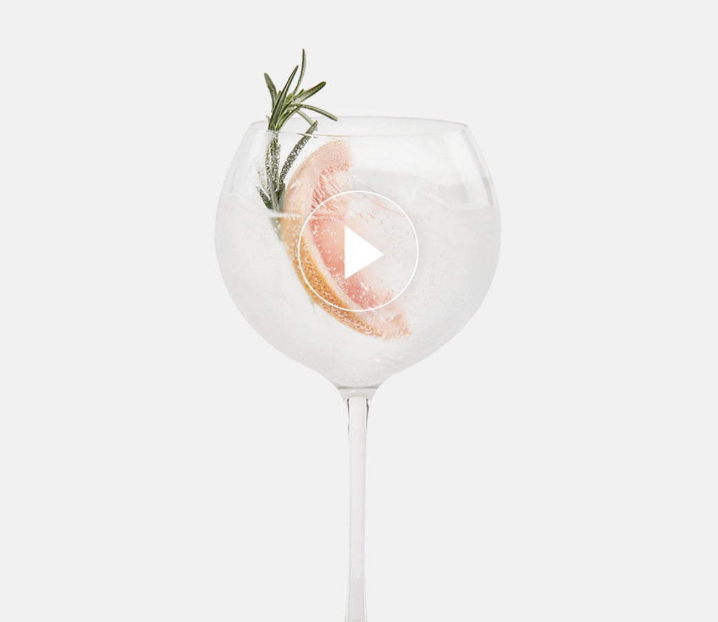 TANQUERAY NO. TEN ET TONIQUE